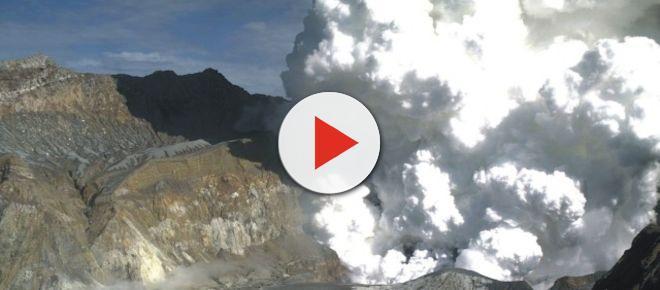 La erupción de un volcán en Nueva Zelanda causa la muerte de cinco personas