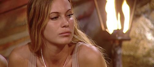 Isola dei Famosi: Taylor Mega confessa la dipendenza da droghe.