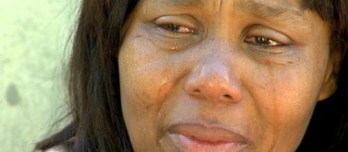 Mãe chora a possível perda de mais um filho (Reprodução R7)