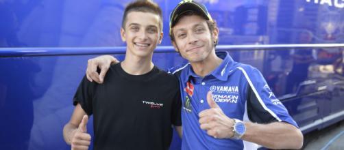 Luca Marini 'spinge' il fratello Valentino Rossi: 'Può correre fino a 46 anni'