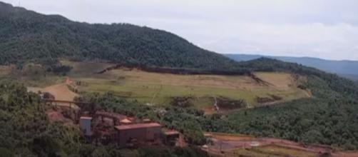 Rompimento da barragem em Brumadinho, MG (Foto - TV Globo)