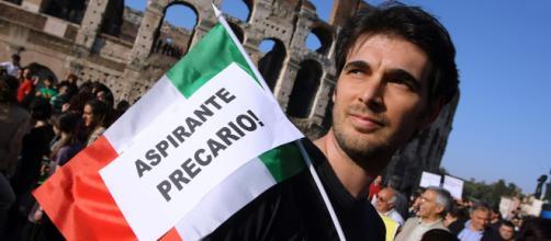 Sempre più giovani senza lavoro: aumentano i trasferimenti all'estero - italiachiamaitalia.it