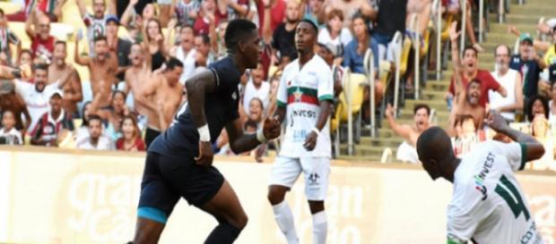 Artilheiro do Flu na temporada, Yony Gonzalez deve ser titular contra o Vasco (Foto: Lancenet)