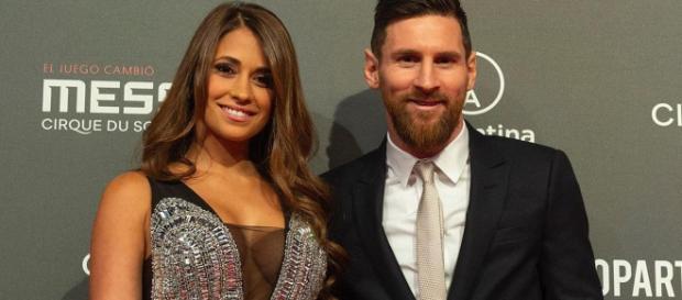 Lionel Messi y su esposa Antonela Roccuzzo en la presentación del show