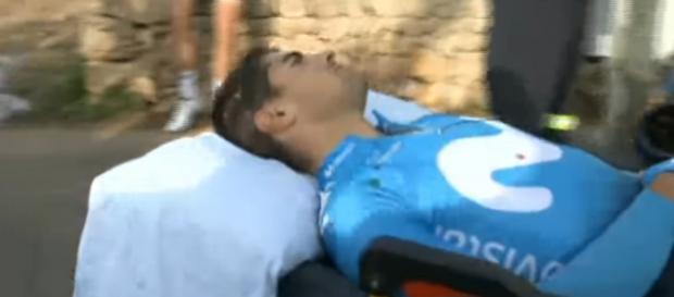 Lo sfortunato Mikel Landa dopo la caduta