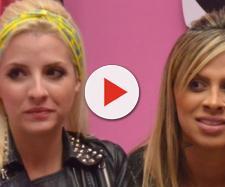 Clara Aguiar e Vanessa Mesquita formaram o primeiro casal gay do Big Brother Brasil. (Reprodução/Rede Globo)