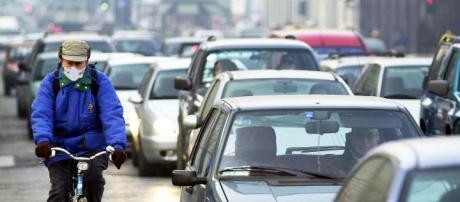 Codice della strada, molte le novità introdotte, in particolare per i ciclisti