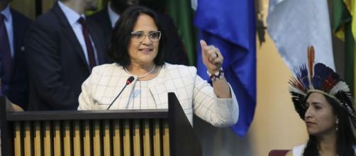 Fantástico desmente falas de ministra Damares Alves. (Arquivo Blasting News)