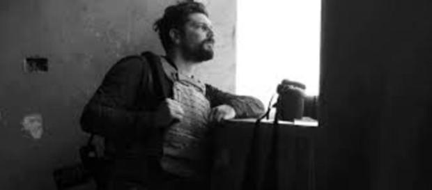 Siria, noto fotografo di 34 anni, Gabriele Micalizzi è stato ferito da un razzo.