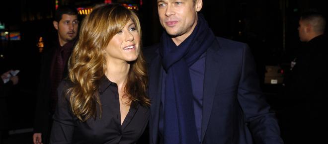 Jennifer Aniston et Brad Pitt ensemble pendant la fête d'anniversaire de la cinquantenaire