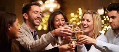 Es posible disfrutar de una cata de vinos o cervezas artesanas en Madrid