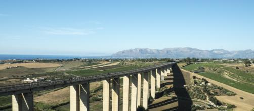 Un viadotto italiano, infrastrutture sempre più seguite con attenzione