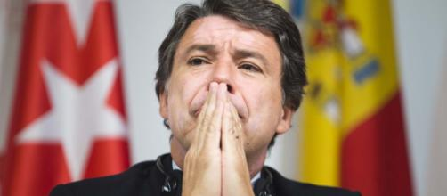 González niega el espionaje en el seno del PP