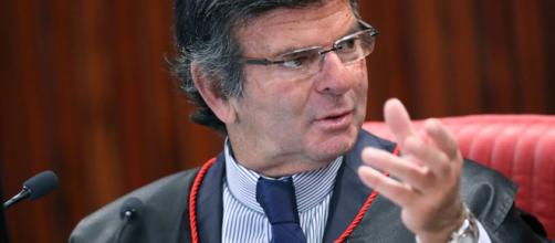 Luiz Fux suspende ações penais contra Bolsonaro. Foto: Ascom / TSE.