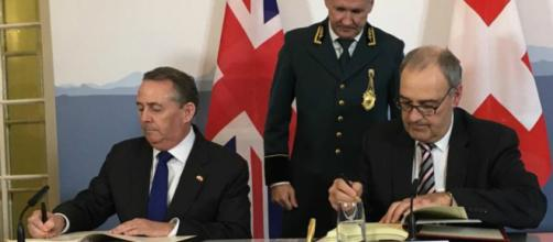 UK signs post-Brexit trade deal with Switzerland (Twitter/@tradegovuk)