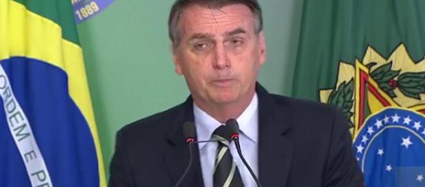 Bolsonaro assinou decreto que facilita a posse de armas no Brasil. (Foto/Reprodução)