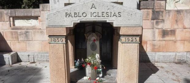 Las tumbas de Dolores Ibárruri y Pablo Iglesias Posse, han sido profanadas
