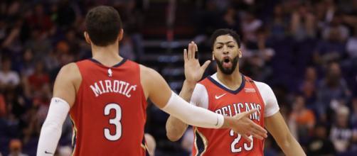 Mirotic, Davis lead Pelicans to blowout win over Suns - apnews.com
