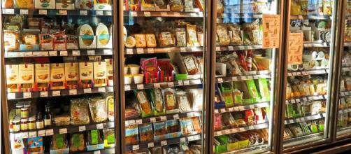 Un'alimentazione a base di alimenti industriali, soprattutto se ultra-processati, può rappresentare una seria minaccia per la salute.