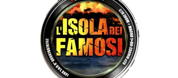 Isola dei famosi, Alessia Marcuzzi rivela: 'Bacio tra due naufraghi'