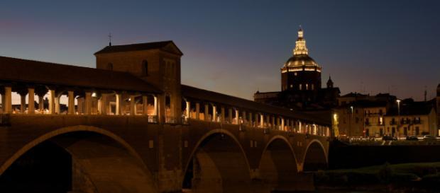 Pavia, stop agli esami di Stato dei Biologi contro il presidente no vax