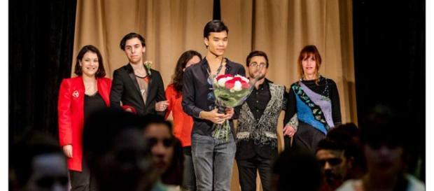 Pour le final, Jérémy Bellet est monté sur scène aux côtés du coiffeur Ludovic Dias et des créateurs ayant participé au défilé.