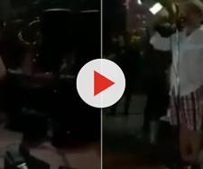 Durante a festa, o venezuelano revela quem é o amante de sua mulher. (Reprodução/Youtube)
