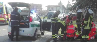 Calabria, 19enne gravemente ferito dopo scontro auto-pullman