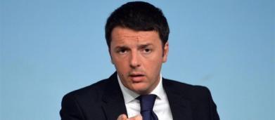 Il libro di Renzi: 'Non vengo dalla cultura comunista, guadagno bene con le conferenze'