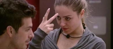Paula diz que sofreu possessão demoníaca dentro do BBB19: 'comecei a rosnar'