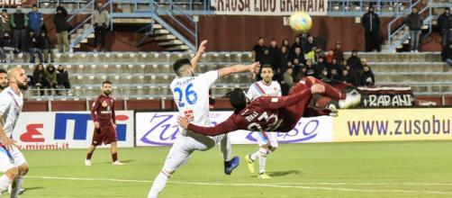 Il gol di Giacomo Tulli in Trapani-Catania (foto di Francesco Vivona)