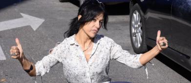Piden en redes que le quiten la pensión por invalidez a Maite Galdeano