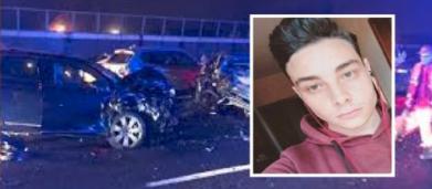 Cosenza, incidente mortale: auto contro bus, 19enne muore davanti al fratellino