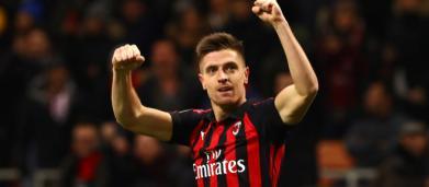 Milan, Piatek si allena sui colpi di testa, Galliani lo elogia: 'Mi ricorda Shevchenko'