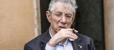 Umberto Bossi: ricoverato d'urgenza per una caduta, non è in pericolo di vita