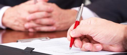 Le clausole da non sottoscrivere quando si firma un contratto.