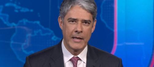 William Bonner na bancada do Jornal Nacional (Foto - Reprodução/TV Globo)
