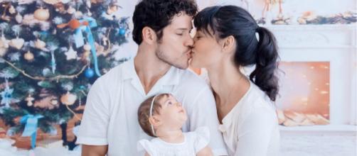 José Loreto, Débora Nascimento e a filha Bella (Reprodução Instagram)