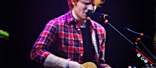 """Ed Sheeran trouxe de volta para o Brasil a turnê """"Divide"""" e lotou estádio em São Paulo (Arquivo Blasting News)"""