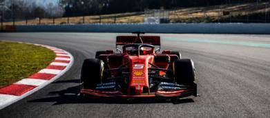 F1 test, al Montmelò prima sfida tra Ferrari e Mercedes: questo pomeriggio diretta su Sky