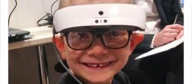 Gauthier, enfant de 6 ans atteint de la maladie de Stargardt, lutte pour garder la vue