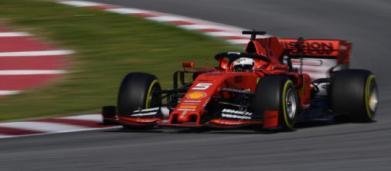 Formula 1, Sebastian Vettel domina la prima giornata di test a Barcellona
