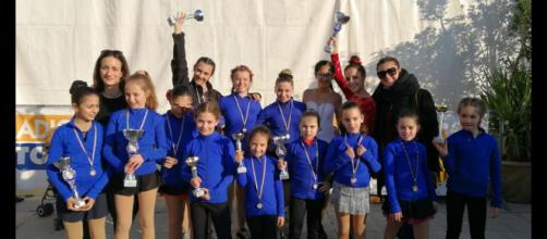 Le Snow Angels di Temù (BS) al Trofeo Giglio Bianco 2019 insieme alle istruttrici Paola Ghilardi e Carlotta Scalambra