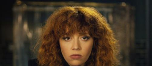 Na foto, a atriz Natasha Lyonne caracterizada como Nadia, protagonista da série Boneca Russa. (Foto/Divulgação/Netflix)