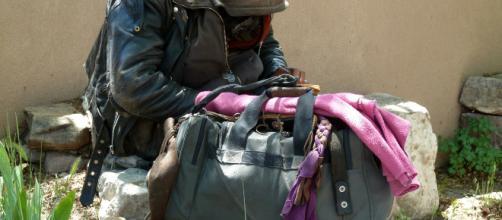 Napoli, senzatetto aggredito da un ragazzino