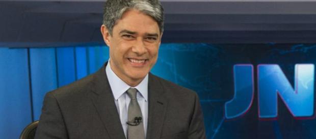 Bonner na bancada do JN. (Foto: Reprodução/Rede Globo)