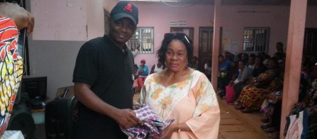 Le Maire de le CAY6 Jacques Yoki Onana et Mme Ester Effa (c) Darren Lambo Ebelle