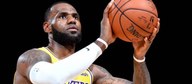 NBA : LeBron James croisera la route de James Harden cette nuit.