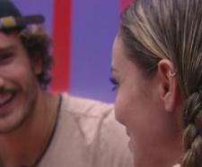 Alan e Paula conversam no BBB19 (Reprodução Gshow)