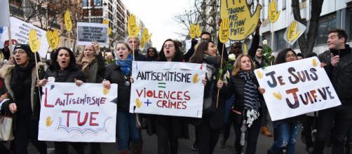 Emmanuel Macron ne se rendra pas à la marche contre l'antisémitisme organisée place de la République.